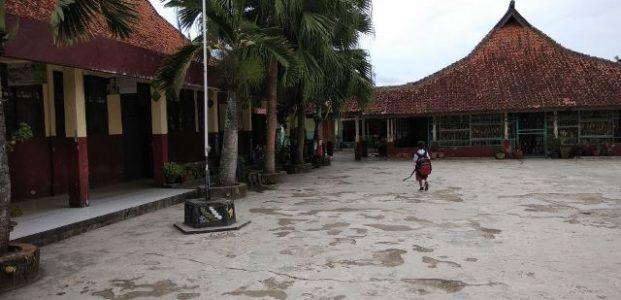 Kacau! Ujian Akhir Semester Ratusan SD di Pandeglang Ditunda