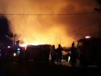 Langit Memerah. Pasar Ciruas Terbakar