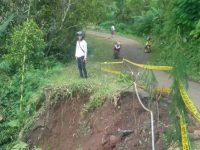 Jalan Longsor di Pandeglang, Akses 9 Kampung Terancam Terputus