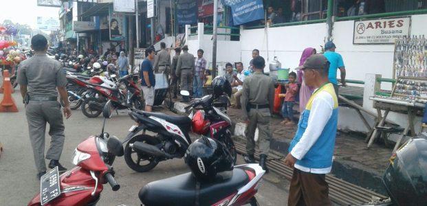 Jelang Kedatangan Jokowi, PKL Di Pasar Anten Pandeglang Dibubarkan Paksa