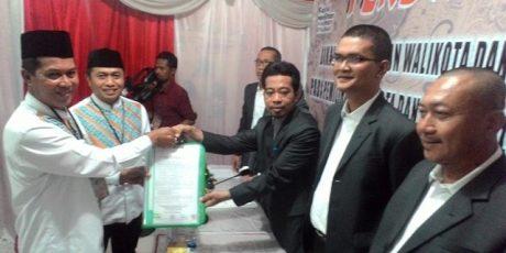 Daftar ke KPU, Pasangan Syafrudin-Subadri Minta Maaf Bila Masyarakat Terganggu