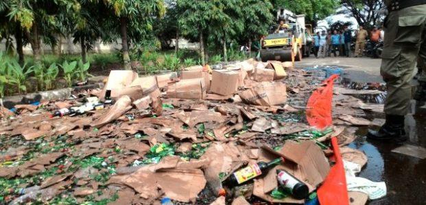 Pemkot Serang Musnahkan Ribuan Botol Miras Hasil Razia