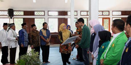 Baznas Pandeglang Salurkan Bantuan Program Pandeglang Cerdas